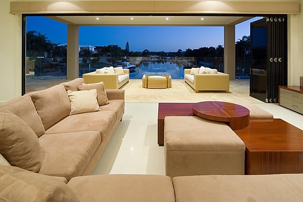 Luxury homes and estates qld coast constructions for Build luxury home